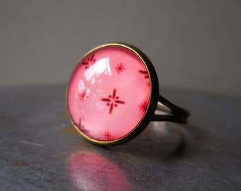 Rose Ring, retro vintage style bronze ring adjustable with picture photo glass cabochon pink rose watermelon punch rouge bague for women
