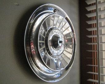 1957 Ford T-Bird-Galaxie Hubcap Clock No.2447