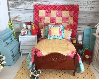 Miniature Dollhouse Bed, Quilt and Bedding Set, Wall Quilt-1:12