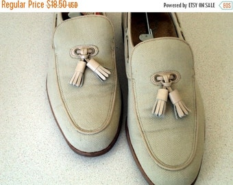 Vintage Florsheim Loafer shoe with tassels size 7.5