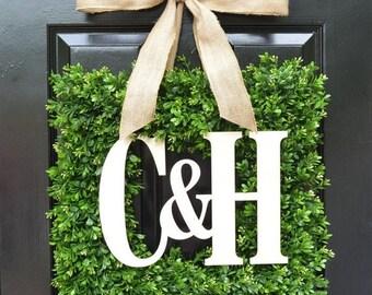 SPRING WREATH SALE Custom Monogram Square Boxwood Wreath, Fall Boxwood Monogram Wreaths, Outdoor Door Wreath, Housewarming Gift, Wedding Wre