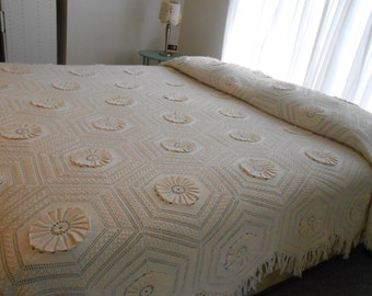 Hand Made Crocheted Knit Vintage Antique Bedspread off White with Flower and Pentagon Pattern