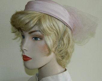 60s Calot Hat Pink Felt and Tulle Puff Prim Proper Percher Church Hat Pale Pink Hat Mad Men Fascinator Hat