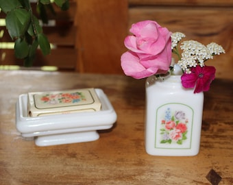 Cottage Shabby Chic Vintage 1978 Avon Country Garden Soap dish with original soap and 1971 jar without top
