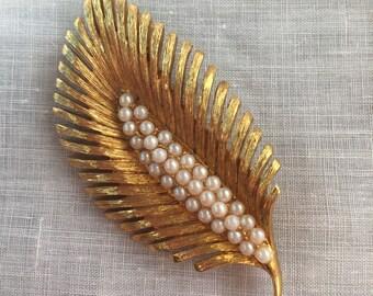 Vintage Napier Pearl Leaf Shape Brooch or Pin - Goldtone