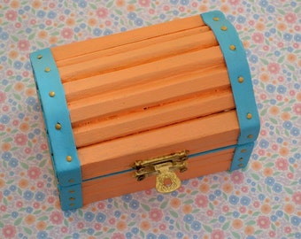 OOAK hand painted-coral-teal-turquoise-wood-wooden-treasury-jewelry trinket-ring-stash box-treasures-keepsakes-collectibles-Easter-gift box