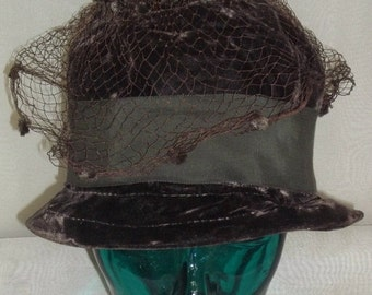 SWEETHEART SALE Vintage Black Velvet Bucket Hat Cloche Church