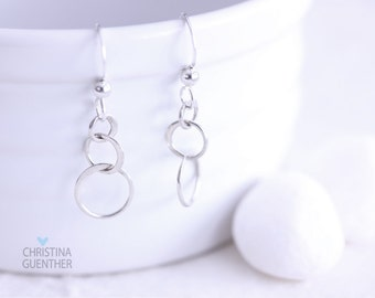 Interlocking Circles Earrings - Sterling Silver Earrings - Personalized Hand Stamped Jewelry - Christina Guenther