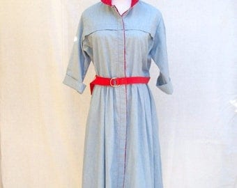 ON SALE 80s Blue Chambray Dress size Medium Large Petite Red Calico Floral Trim