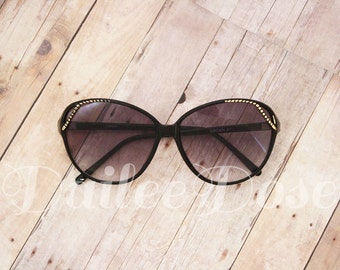 VINTAGE | Oversized Sunglasses | Gold + Black | Gray Lenses | SG1287