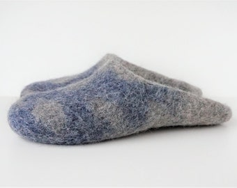 Backless wool slippers-felted wool slippers-felt wool slippers-felted house shoes-grey wool slippers-felted wool clogs-grey blue