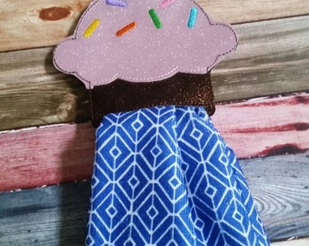 Cupcake Vinyl Towel Topper - Home Decor -  No more falling towels - Durable - towel included - kitchen decoration - House warming gift
