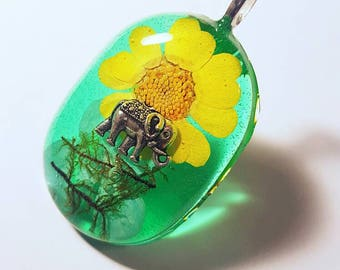 Elephant Charm Real Flower Moss Necklace Blue Green Yellow Resin Pendant Nature  Animal Bohemian Jewelry