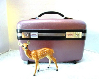 Vintage TrainCase, Burgundy, American Tourister w/ Key, Pouch, Make-Up Case Hand Luggage Carry On Overnighter Double Locks, Clean Like New