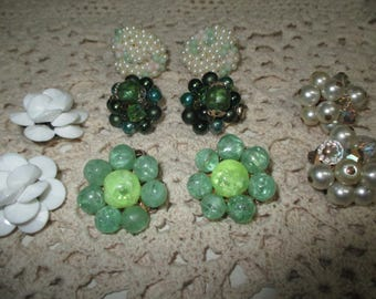 VINTAGE COSTUME JEWELRY  /   5 Pair   Cluster earrings