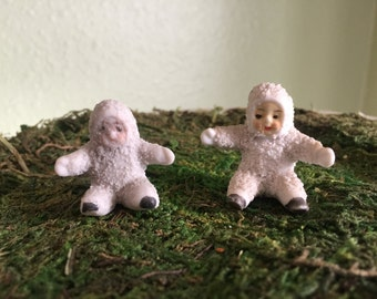 Pair of tiny Snow babies from Germany