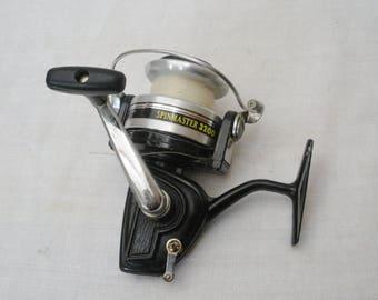 Vintage Spinmaster 3200 Fishing Reel