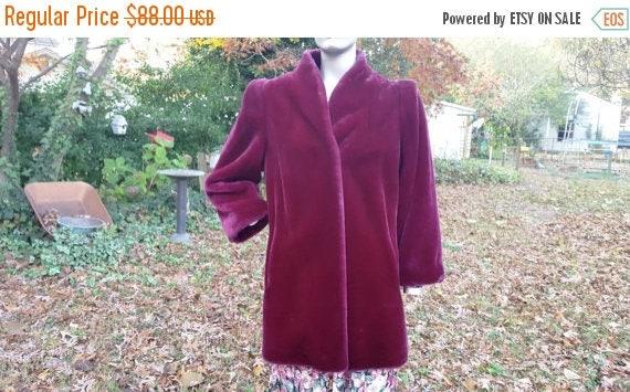 SALE 30% OFF Plus Size Womens Vintage Coat, Plus Size 70s Coat, Plus Size Coat, Purple Coat, Vegan Coat in Purple Faux Fur by Carol Horn Siz