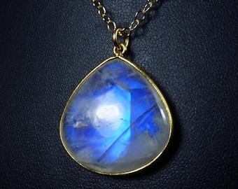 LARGE Rainbow Moonstone Necklace, Large Rainbow Moonstone Pendant, Intense and Vibrant Cobalt Blue and Cornflower Blue Fire, Gold Bezel