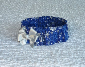 "Christmas Dog Collar, Pet Bandana, Silver Snowflakes on Blue Dog Scrunchie Collar with bow - XL: 18"" to 20"" neck"
