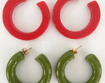 Two Pairs of Vintage Bakelite Earrings Olive Green and Red