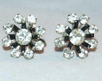 Rhinestone Earrings Clear, Screw Back Silver, Vintage old jewelry