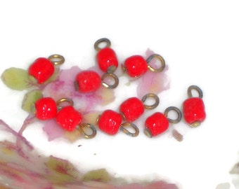Vintage Glass Beads Connectors Drops Dangles buttons Red Drop Dangle Bead Findings. #1157