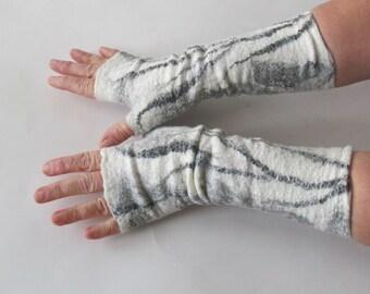 Felt fingerless gloves, Felted mittens Grey warm Mittens, White and Black mitts, Wool gloves, felt by Galafilc