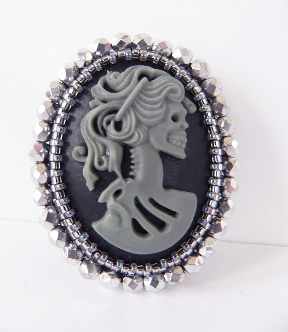 Custom Cameo Resin Pins Diy: Cameo Brooch Lolita Skull Girls Resin Cameo In Grey And Silver