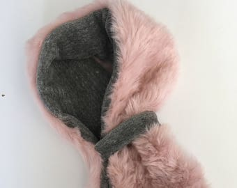 Faux fur scarf in peony pink