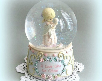 Enesco Collectible Precious Moments Snow Globe Music Box Snowglobe Baby Shower Gift Mother & Baby Nursery Decor Baby Room Decor Mothers Love