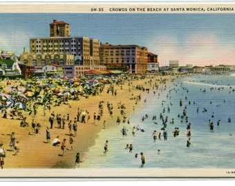 Beach Crowds Santa Monica California 1940s linen postcard