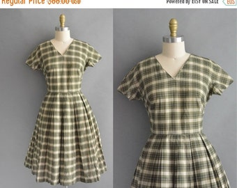 20% OFF SHOP SALE... vintage 1950s dress / 50s green plaid cotton full skirt vintage dress