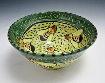 Medium Ceramic Serving Bowl - Honey Bee - Pottery Clay Bowl - Majolica - Kitchen Prep - Yellow Green Bumble bee - Gift for Mom - Fruit Bowl