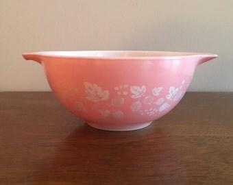 pyrex gooseberry 442  1 1/2 qt cinderella mixing bowl