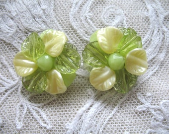 Vintage Cluster Earrings ~ Clip On ~ Chartreuse & Yellow Plastic Leaf Beads