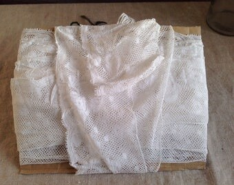 Antique Lace , White Valencienne Vintage Trim / Floral French Lace / 8 yards Dolls Bears Ballet. Home Furnishings, Sewing Supplies