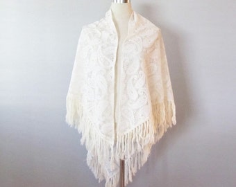 """40% OFF SALE Vintage 1960's Creme Knit Shawl Shoulder Wrap / Poncho Style """"Granny's Shawl"""" Fringed Edging One Size Fit All"""