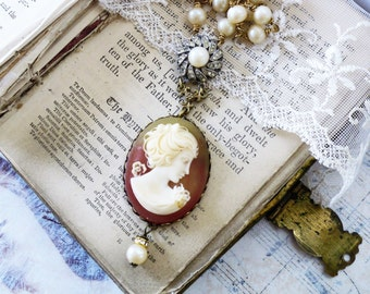 Vintage Lovers Cameo & Pearls,1970s Cameo, Vintage Rhinestone Clasp,Creamy Vintage Pearls,Vintage Assemblage Necklace by Hollywood Hillbilly