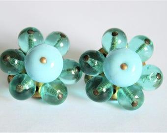 Vintage blue earrings. Blue glass bead earrings.  Clip on earrings.  Vintage jewellery