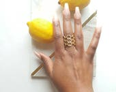 Large brass geometric ring// Honeycomb cocktail ring// adjustable hexagon ring//Bee hive ring//Beyhive ring