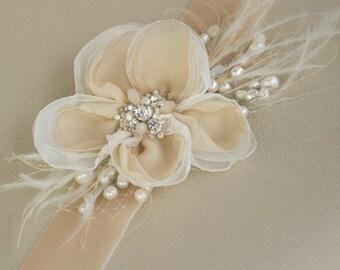 Wedding dress belt, Bridal sash belt, Wedding sashes belts, Champagne sashes belts, Flower waistband, Pearl Beige Velvet Bridal belt