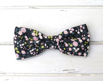 Pink Ditsy Floral Bow Tie, Black Floral Bow Tie, Shabby Chic Bow Tie, Spring Bow Tie, Bow Tie for Wedding, Groomsmen Bow tie, Groom Bow Tie
