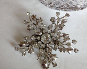 Vintage Rhinestone Star Flower Pin Brooch Rodium Plated Beauty
