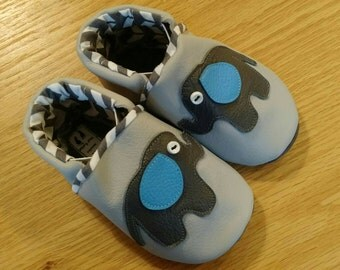 baby boy's gray elephant shoes 6-12 months/ size 4