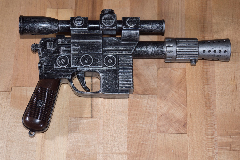 premium han solo blaster pistol star wars dl 44 hand painted. Black Bedroom Furniture Sets. Home Design Ideas