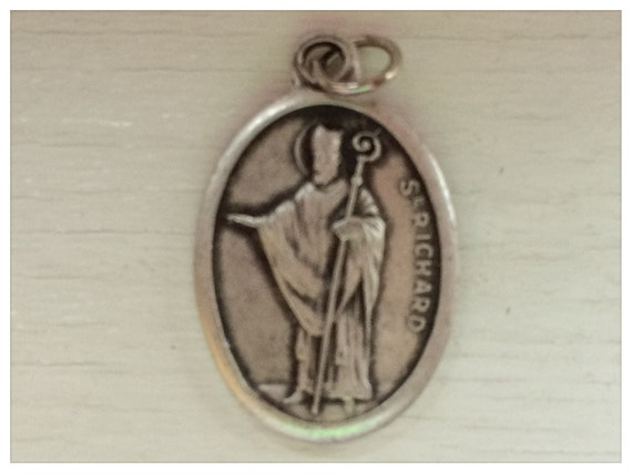 5 Patron Saint Medal Findings, St. Richard, Die Cast Silverplate, Silver Color, Oxidized Metal, Made in Italy, Charm, Drop, RM1102