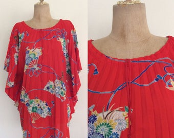 1970's Red Accordion Pleat Circle Top