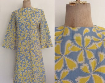 1970's Blue & Yellow Floral Print Shift Dress Size Medium Large by Maeberry Vintage