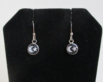 925 Sterling Silver Moon & Star Earrings - Vintage Pierced on Original Card, Black and Pearl Inlay